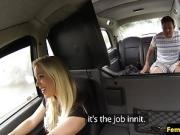 Bigtitted english cabbie fucked on backseat