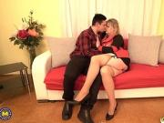 Mature NL - Curvy housewife Bella doing her toyboy