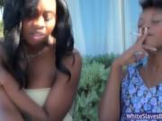 Luscious Latoya gets her toes licked