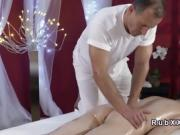 Experienced masseur bangs naked brunette babe
