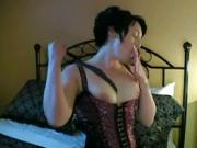 Yanks Amateur MILF Annie Likes Whips For Orgasm