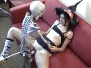 girl fucking with skeleton machine