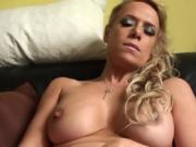 Solo uk sub toying her pussy until orgasm