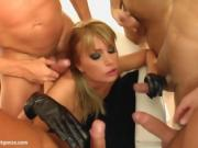 Hot Redhead Takes Center Stage In Oral Gangbang And Cum Facial