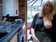 This spunky webcam MILF likes to show off her knockout curves