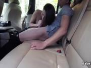 Dude fucks trimmed pussy in taxi