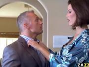 Nympho wifey sucks Bill Bailey