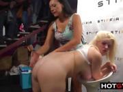 Hot Lesbians put on a PUBLIC Show.
