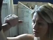 Hot mom has hot hands