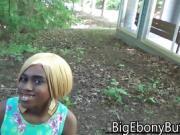 Street Blowjob & Public Sex Ebony Girl Fucks Stranger Outside
