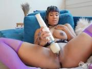Yanks Asian Midori Masturbates Her Snatch With Hitachi Toys
