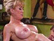 Jill Kassidy makes her Hot MILF Customer Brandi Love orgasm
