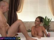 Dicksucking babe gets on her knees in the bathtub