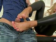 Hot pornstar foot fetish with cumshot ly