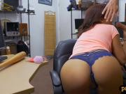 Sexy babe exchanged her pussy for cash at the pawnshop