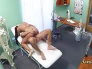 Trimmed pussy nurse sucks doctors cock