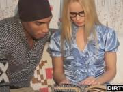 Dirty Flix - Winter-time casual fuck. Erick Lewis and Marina