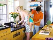 Kitchen magic! Cooking and cocking at the same time!