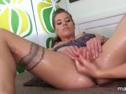 Kinky czech nympho opens up her wet honey pot to the special