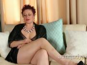 Gorgeous Babe Scarlett O'ryan Loves To Play With Clit