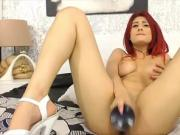 Young red chick fucks a red pussy