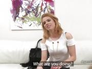 Blonde vibrates cunt in casting