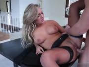 Natural tits girlfriend blowjob with cumshot