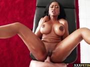 Moriah Mills shake her weat ass