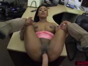 Black beauty chick wants to buy golf clubs and ends up fucked
