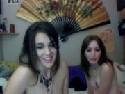 2 Hot sexy brunette American Camgirls Have Fun On YourFreePornLiveus