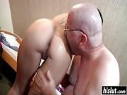 Cute babe fucked a bald dude