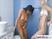 Nikki teaches Molly how to fuck dildo
