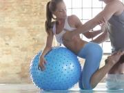 Sophie Lynx gives gym footjob! Just fucking watch it!