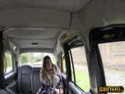 Damn brunette babe picks to suck cock to get a free ride