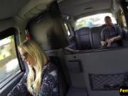 Ballsucked cab passenger facializing taxi driver