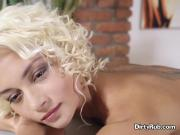 Cheerleader Olivia Gets Turned On By Masseur