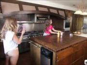 Gfs cooking tutorial ends up in a super hot lesbo sextape
