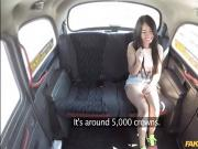 Asian babe Jureka Del Mar sucks dick in the backseat