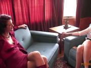 Interviewer agrees to bondage