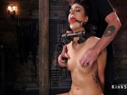 Locked neck slave gets head shaved