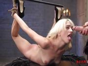 Free44 Eliza's rough BDSM session